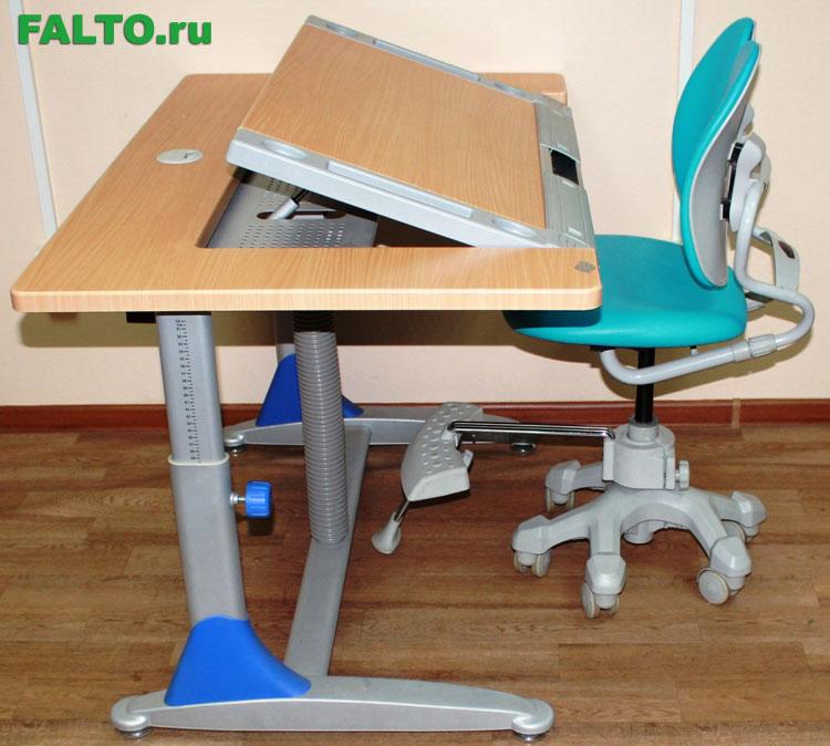 Шатура детский писменный стол.