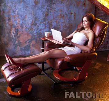 Подголовник кресла Relax Люкс служит удобной подушкой при релаксации