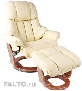 Светлое кресло с пуфом для ног Relax Lux